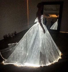 Claire Danes in a Zac Posen Fiber Optic dress Met Gala 2016 Gala Dresses, Quinceanera Dresses, Wedding Dresses, Dresses 2016, Gown Wedding, Wedding Shoes, Wedding Reception, Lace Wedding, Bridesmaid Dresses