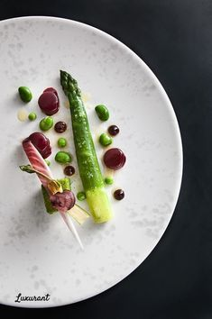 Luxurant Dublin brings you the Top-Ten Fine Dining Restaurants in Dublin with Irish and International Cuisine for a Real Luxury Experience. Restaurants In Dublin, Tasting Menu, Chapter One, Fine Dining, Vegetables, Places, Ethnic Recipes, Food, Kitchens