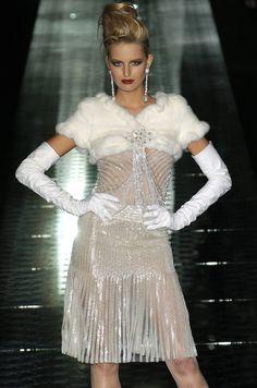 Valentino - Haute Couture - Fall 2004