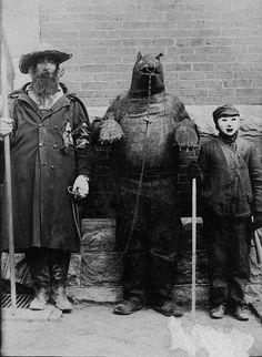 Creepy Halloween costumes of the past