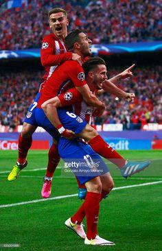 celebration (!!!) Griezmann, Koke and Ñíguez. [27/04/2016]