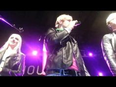 R5 - Q and Soundcheck (Nouveau Casino, Paris)