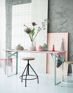While waiting for spring, the decor is pastel cheek! Trendy Home Decorations : While waiting for spring, the decor is pastel cheek! Interior Pastel, Estilo Interior, Interior Styling, Interior Decorating, Interior Design, Decorating Games, Modern Interior, Workspace Inspiration, Interior Inspiration