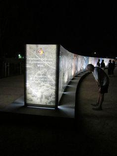 Vietnam Veterans Commemorative Service Wall in Seymour (Australia). By Sinatra Murphy & AQL Landscape Design. Site Analysis Architecture, Concept Architecture, Landscape Architecture, Landscape Design, Museum Exhibition Design, Design Museum, Donor Wall, Architecture Presentation Board, Mural Wall Art