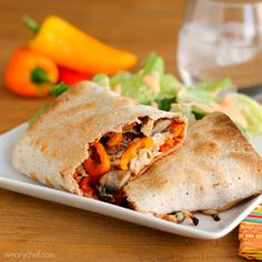 Skinny Stromboli - All the taste of pizza in a healthy wrap! #pizza #healthy