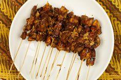 Indische satémarinade - Erik & # s Asia Bbq Egg, Bbq Steak, Kamado Grill, Barbecue, Nom Nom, Grilling, Good Food, Pork, Food And Drink