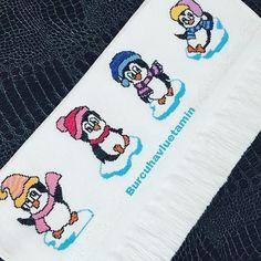 Ve 🐧 🐧 penguenlerim 💕💕. . Çift tıklayın ❤️olsun lütfen ☺️☺️💕💕. . . . . Sipariş için mesaj lütfen 🙏. . . . #etamin #kanaviçe #havlu… Cross Stitch Bookmarks, Cross Stitch Patterns, Bargello, Plastic Canvas, Floral Embroidery, Perler Beads, Pixel Art, Snoopy, Blanket