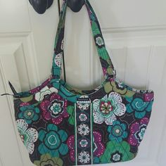 Beautiful Bella Taylor Purse Nearly new, this cute cloth purse was only used a couple of times. From smoke free home. Make me an offer! Bags Shoulder Bags