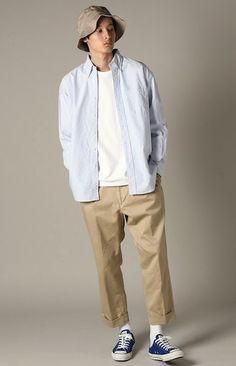 Плохо: рубашка оверсайз, футболка с круглым вырезом и однотонная , широкие бесформенные брюки 60s Men's Fashion, Japan Fashion, Mens Fashion, Fashion Outfits, Fashion Tips, Men Street, Street Wear, Outdoorsy Style, Mode Man