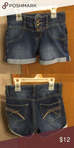 SO Girls Denim Shorts SO girls size 10 jean shorts with three snaps and cuffs. Like New. SO Bottoms Shorts