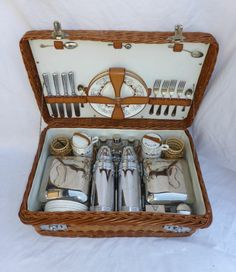 Vintage Veteran Car Picnic Set Coracle Four Person VGC 1930's