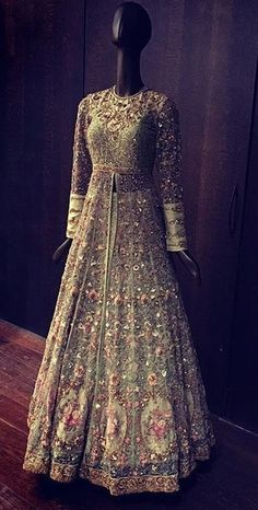 33 Ideas Wedding Reception Dress Sparkly For 2019 Indian Wedding Outfits, Pakistani Outfits, Bridal Outfits, Indian Outfits, Bridal Dresses, Party Outfits, Wedding Dress, Indian Reception Outfit, Wedding Bridesmaids