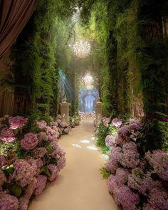 Nature Aesthetic, Fantasy Landscape, Dream Garden, Aesthetic Pictures, Beautiful Gardens, Aesthetic Wallpapers, Beautiful Places, Dream Wedding, Luxury Wedding