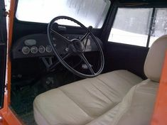 Nice Old Tucker Sno-Cat, many pic's Antique Tractors, Truck Interior, Mopar, Grid, How To Look Better, Nice, Cats, Gatos, Cat