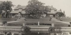The Mortimer Fleishhacker estate in Woodside, designed by the Greenes in 1911-12.