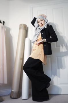 wide pants and matching coat...reminds me of Tasnim.