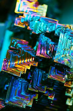 ✦ Holographic, Iridescent, Metallic, - A Bismuth Crystal Cool Rocks, Beautiful Rocks, Minerals And Gemstones, Rocks And Minerals, Instalation Art, Mineral Stone, Rocks And Gems, Stones And Crystals, Gem Stones