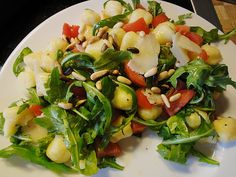 Gnocchi - Salat, ein schönes Rezept aus der Kategorie Gemüse. Bewertungen: 46. Durchschnitt: Ø 4,3.
