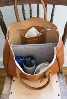 zero waste work bag | reading my tea leaves : as well as the main article, readers' comments are full of useful ideas too.
