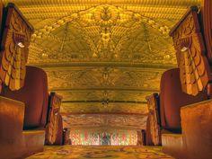 Paramount Theatre, Oakland, CA by BWChicago, via Flickr