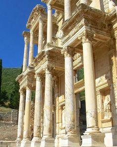 Biblioteca de celso en Efeso. #turquiaturismo #turquia #efeso #turismo #viajes #viaje #viajero #viajeros #instaviajes #instaturismo #instatravel #travel #fotodeldia #foto #picoftheday #photooftheday