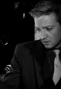 ♡♡♡ Jeremy Renner - so beautiful