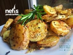Fırında Özel Soslu Patates (Cips Gibi) – Kızartma Tarifleri – Nefis Yemek Tarifleri Sebzeli yemek Tarifleri videolu tarif – Las recetas más prácticas y fáciles Yummy Recipes, Cooking Recipes, Yummy Food, Turkish Recipes, Ethnic Recipes, Humble Potato, World Recipes, I Foods, Food And Drink