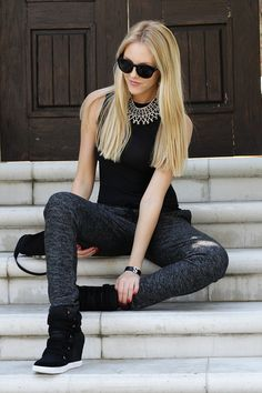 shea marie peaceloveshea style fashion blogger blog sporty chic sweats rachel zoe necklace glam.  gym3