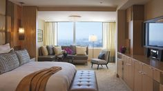 The Ritz-Carlton Suite - Bedroom