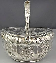 Royal Silver Hanovarian Double Tea Caddy - An important Hanovarian silver basket shaped double tea caddy