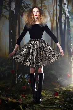 whore-for-couture:  classy-mcqueen:  FALL 2014 READY-TO-WEAR - Alice + Olivia  Haute Couture blog :)