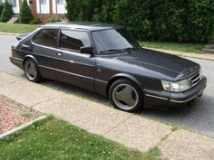 SAAB 900-not my fave wheels though