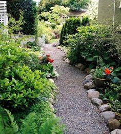 kieswege anlegen flusssteine begrenzung anpflanzungen