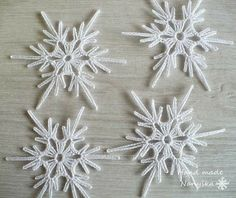 PDF Patterns for 5 Crocheted Snowflakes - set 23 - Her Crochet Free Crochet Doily Patterns, Crochet Snowflake Pattern, Crochet Snowflakes, Crochet Motif, Crochet Doilies, Crochet Flowers, Pdf Patterns, Free Pattern, Crochet Christmas Ornaments