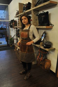 If you or someone you love is an artisan or aspiring artisan – and who isn't in their heart of hearts – our Tradesman's Apron is a must. Rugged, functional, and stylish this apron has got you covered! Comes in Tan Waxed Canvas and Brown Leather (pictured) as well as denim. http://www.oroxleather.com/collections/hats/products/tradesman-apron-canvas-tan-brown #oroxleatherco #handcrafted #madeinpdx