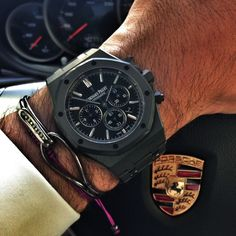 Audemars Piguet Royal Oak Offshore: a handmade wristwatch with unique features by a storycal brand. Sporty and elegant is the most important thing for Audemars Piguet.