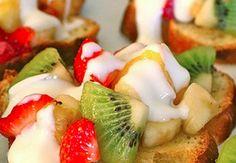 Bruschetta cheese and fruit
