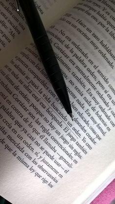 """""""...se pasó la vida buscando un orden"""", de """"El Libro de Aurora"""", Aurora Bernárdez"""