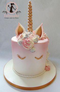 Unicorn Cake on Cake Central Unicorne Cake, Cupcake Cakes, Unique Cakes, Creative Cakes, Indian Cake, Mirror Glaze Cake, Cake Glaze, Cake Central, Apple Smoothies