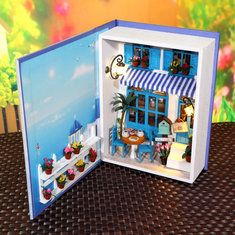 Hoomeda B003 Summer Holiday DIY Dollhouse Kit Box Theatre Doll House Kids Gift Collection