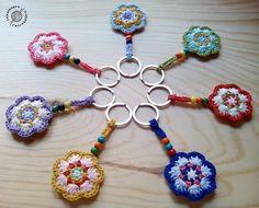 ideas for crochet tutorial amigurumi key chains Crochet Diy, Love Crochet, Crochet Gifts, Irish Crochet, Crochet Flowers, Crochet Skirt Pattern, Crochet Motif, Crochet Patterns, Crochet Keychain