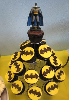 BATMAN!!  Next time I have a party, I'll probably do this.  'cause Batman's awesome.