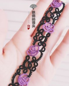 Fotoğraf açıklaması yok. Tatting Armband, Tatting Bracelet, Tatting Earrings, Tatting Jewelry, Lace Jewelry, Tatting Lace, Jewelry Art, Love Crochet, Irish Crochet