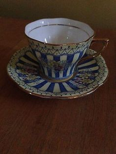 ROSINA-BONE-CHINA-TEA-CUP-AND-SAUCER-5350-Made-in-England