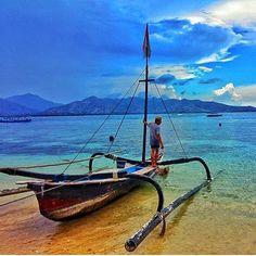 Great picture taken by @edwinsaragih just in front of 7SEAS Dive Gili! #giliair #giliislands #lombok #lombokisland #bali #thegiliguide #thebalibible #gotogili #instagood #newbali #dive #instamood #beautifulday #instatravel #7seasgiliair #explore #sunnyday #sea #holidays #travel #beautiful #escape #beach #island #sea #sealover