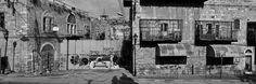 Rue Ash Shuhada, Hébron. La majorité des magasins palestiniens situés dans l'artère Ash Shuhada autrefois en plein essor ont dû fermer en raison des restrictions d'accès excessives mises en place par l'armée israélienne et du harcèlement des colons juifs. © Josef Koudelka / Magnum Photos