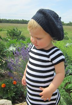 Ravelry: Oui! Oui! Little Dress pattern by Hope Vickman.  Cute! Pattern costs though!