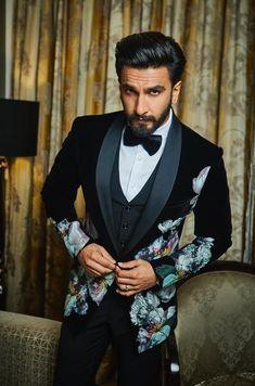 Ranveer Singh  #FASHION #STYLE #SEXY #BOLLYWOOD #INDIA #RanveerSingh Ranveer Singh, Beautiful Boys, Bollywood, Suit Jacket, India, Actors, Suits, Sexy, Jackets
