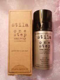 Stila One Step Makeup Foundation in Medium .5 oz (FREE SHIPPING) $10.00