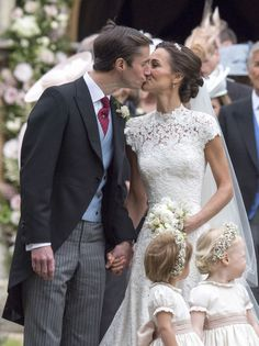 One More Kiss for the Road - Pippa Middleton Is Married! See the Royal Celebration in These Stunning Pics - Photos